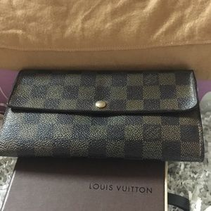 Louis Vuitton Damiar long Wallet